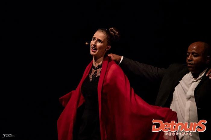 Frontx, création pour danseurs de rue, chanteuse lyrique et beat boxer
